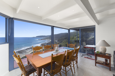 UNIMPEDED OCEAN VIEWS!