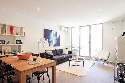 LUXURY 1 BEDROOM UNIT WITH 2 SECURITY CARSPACES
