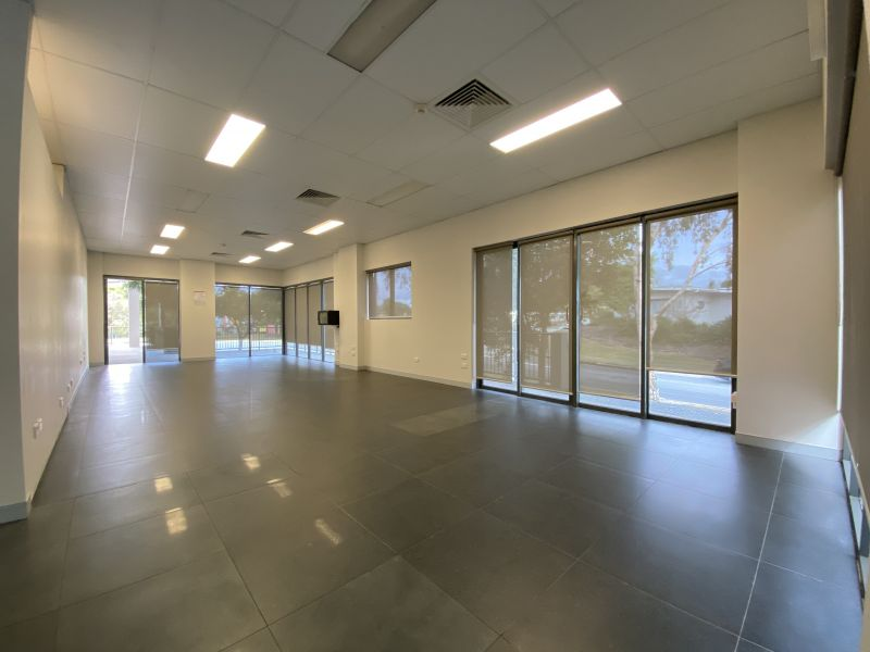 132SQM* COMMERCIAL SUITE IN A HIGH TRAFFIC LOCATION