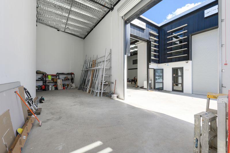 Warehouse with A-Grade Office Mezzanine