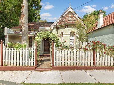 Spacious Room In The Heart Of Summer Hill