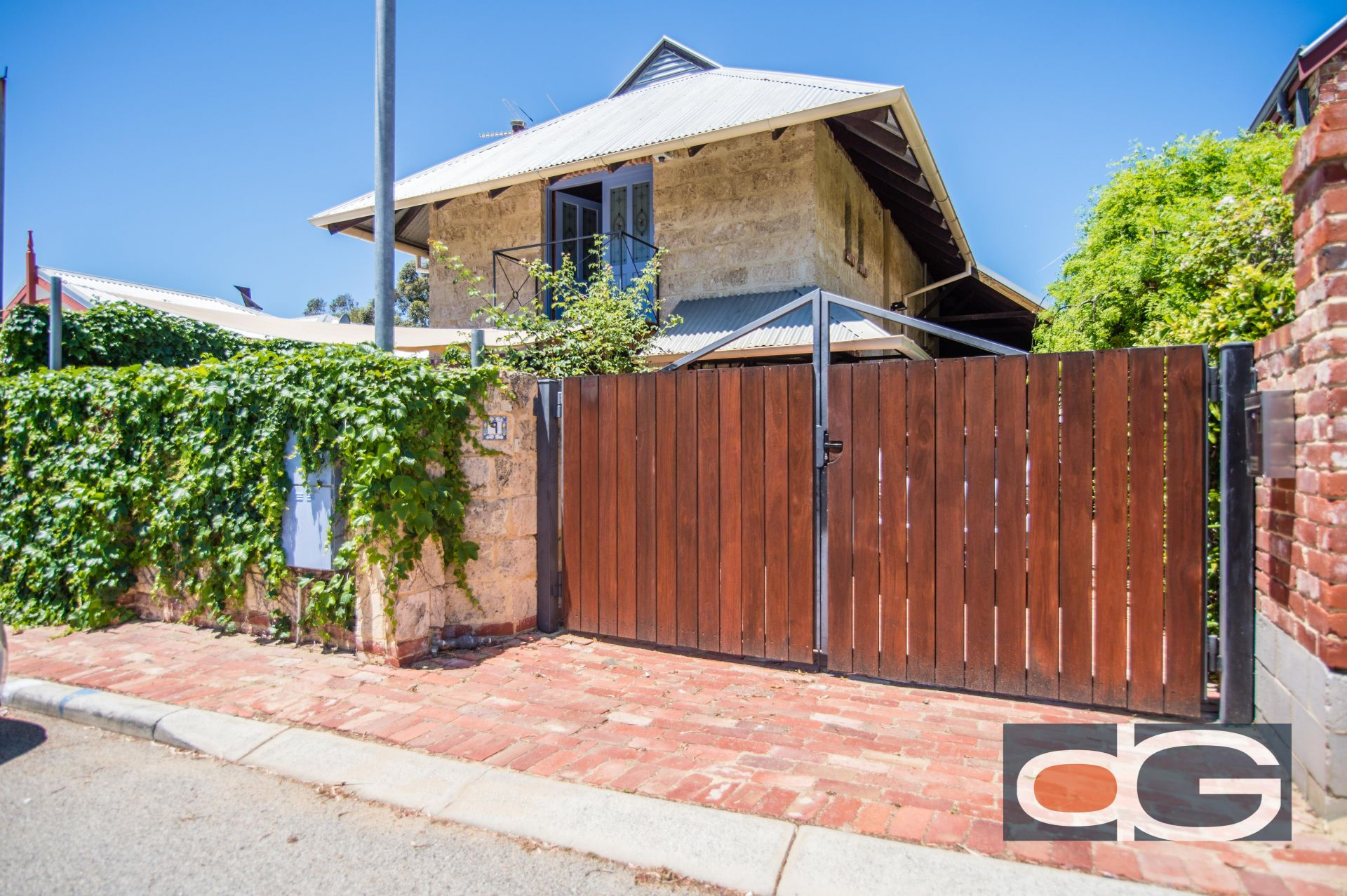 9 Dale Street, South Fremantle