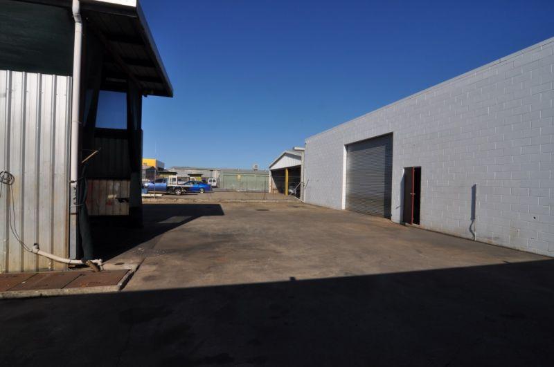 Ingham Road Workshop with secure yard