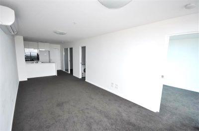 MAINPOINT, 25th floor - Superb Location!