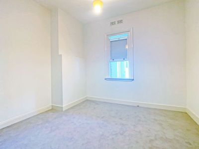 DEPOSIT RECEIVED - RENOVATED ROOM IN CONVENIENT LOCATION - NEW PAINT & CARPET!