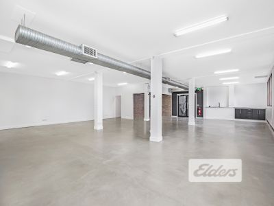 TRULY UNIQUE OFFERING - OFFICE/RETAIL/SHOWROOM!