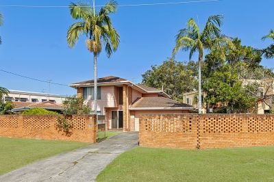 Surfers Paradise! Renovaters/ Redevelopment Special
