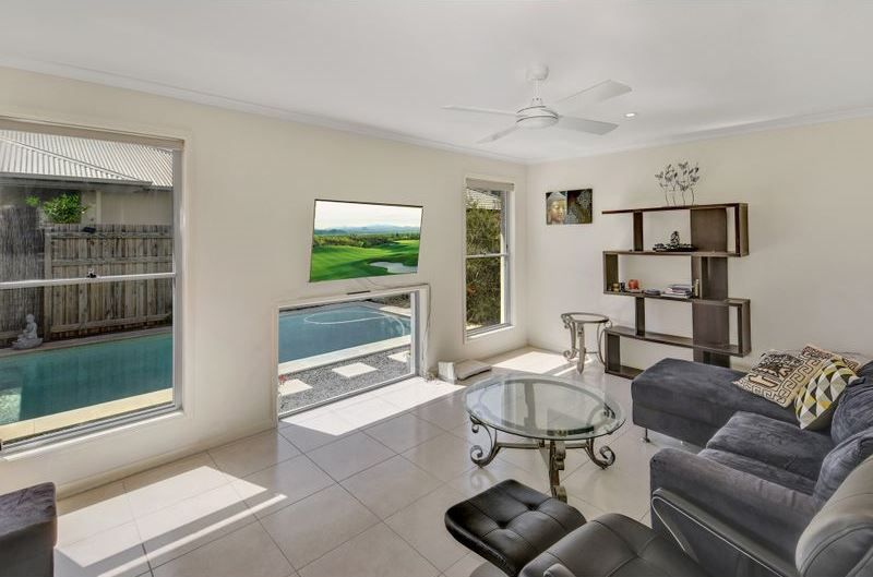 INVESTORS OPPORTUNITY RENTAL RETURN $580.00 P/W !  POOL FOR THE KIDS & LIFESTYLE FOR MUM & DAD…