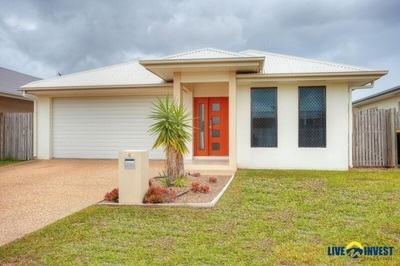 Spacious and familly friendly in the heart of North Shore!