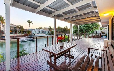 5 Bedroom Waterfront home just off Main River!