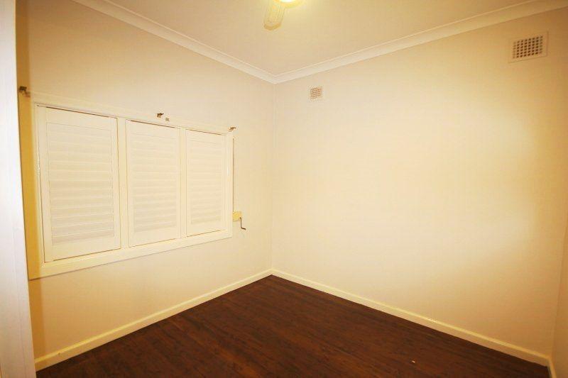 8 Linda Street, Belfield NSW 2191