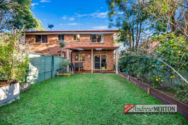 2/16 Hillcrest Road, Quakers Hill
