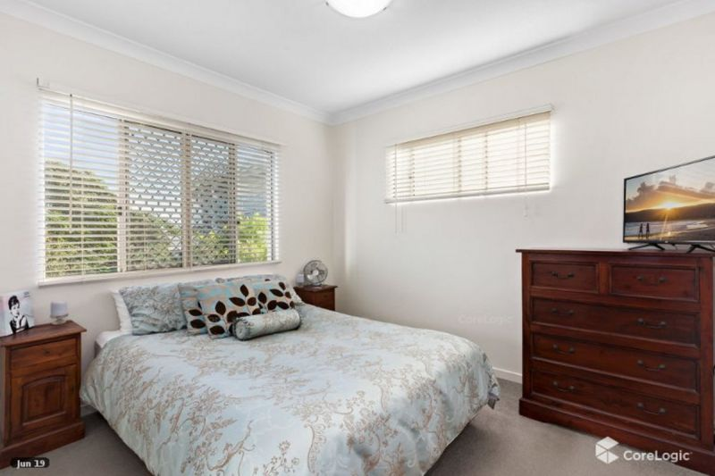 PERFECTLY POSITIONED 2 Bedroom Unit