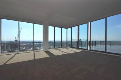 MAINPOINT 42nd Floor: Stunning Penthouse!
