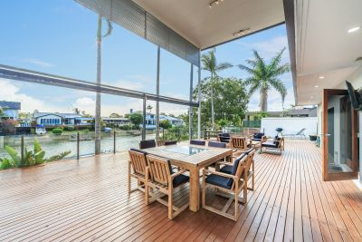 Great Waterfront House Perfect For The Family and Entertaining