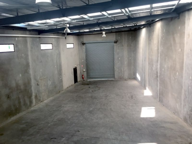 WAREHOUSE WITH OFFICE/SHOWROOM!