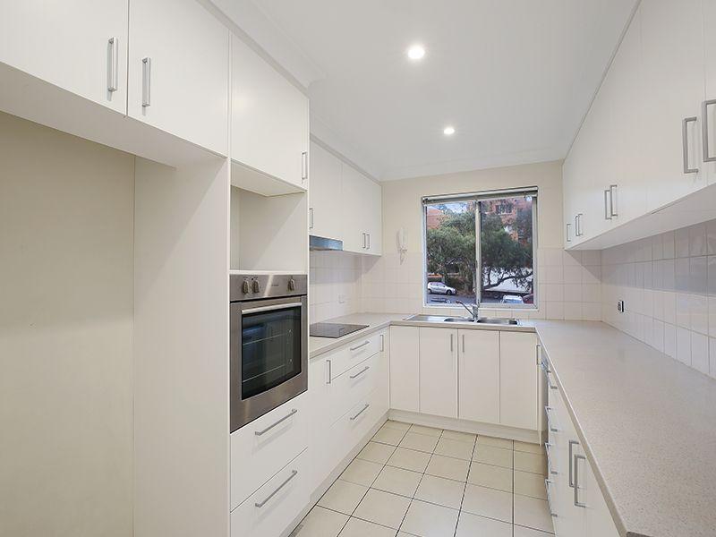 1/76 Glencoe Street, Sutherland NSW 2232