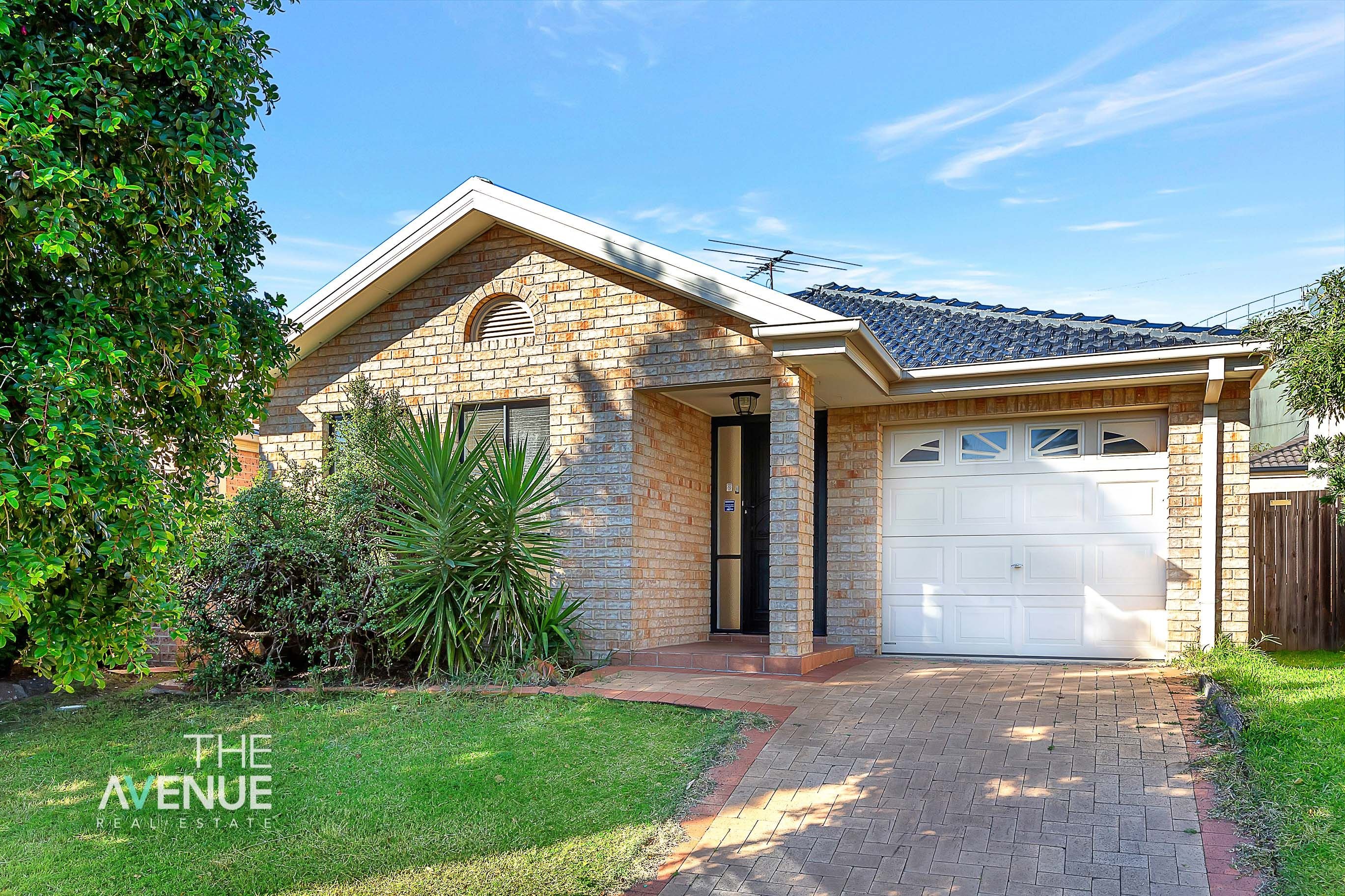 11 Myee Circuit, Baulkham Hills NSW 2153
