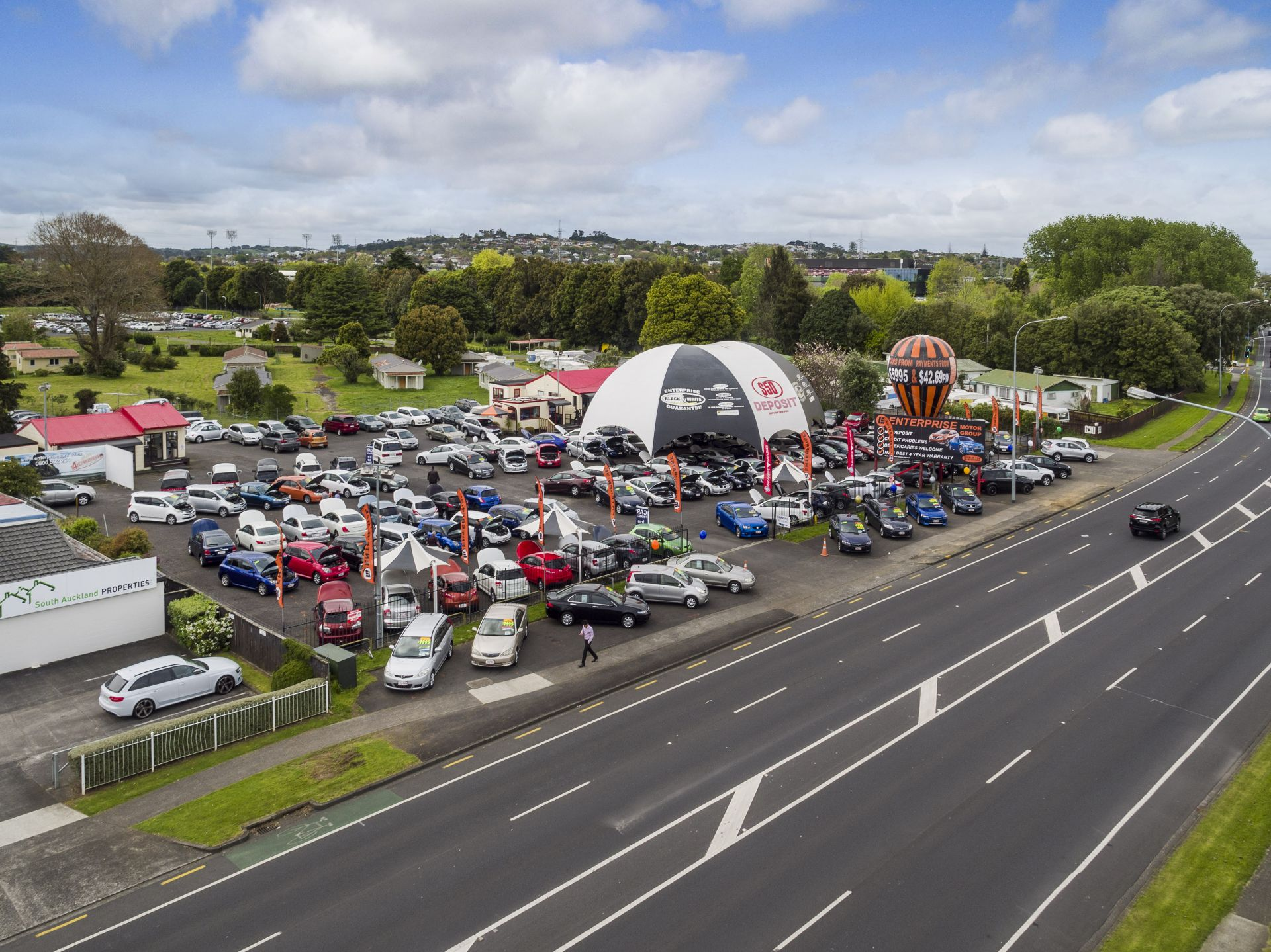 Manukau central - 110m of premium road frontage!