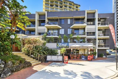 DUAL KEY! GREAT BUY ON SURFERS PARADISE BOULEVARD! 100m TO THE BEACH