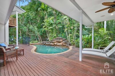Tropical Private Oasis - one street back from the beach!!