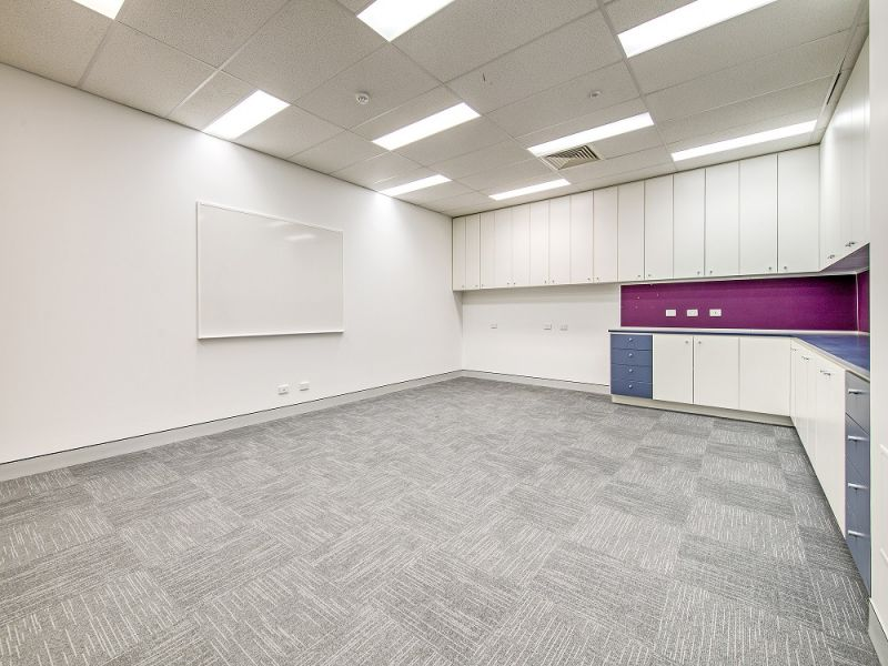 FITTED OUT MORNINGSIDE MEDICAL / OFFICE WITH GREAT EXPOSURE