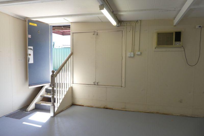 55m2*  Storage Room / Office On Logan Road