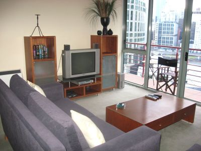 Southbank Tower 15th floor FULLY FURNISHED, 83 Queensbridge St: Great Central Location!