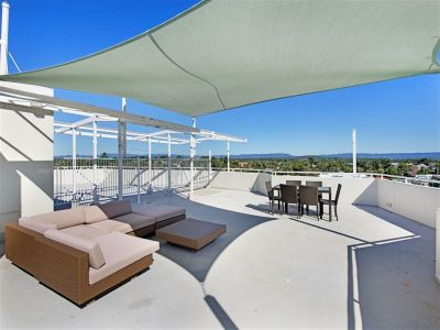 Vacant Broadwater Unit-Private Roof Top Terrace