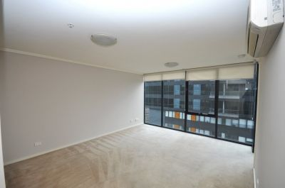 Southpoint: 27th Floor - Fantastic Central Location!