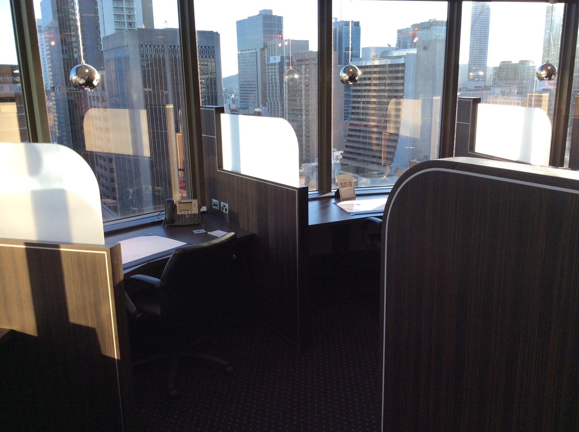 TOP WITH VIEWS OFFICE SUITS AVAILABLE FOR YOUR BUSINESS