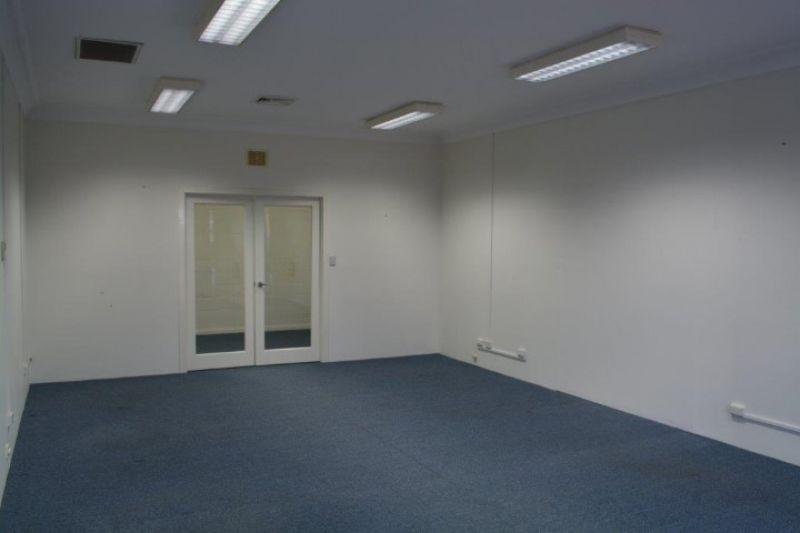 116 m2* PROFESSIONAL OFFICE SPRINGWOOD