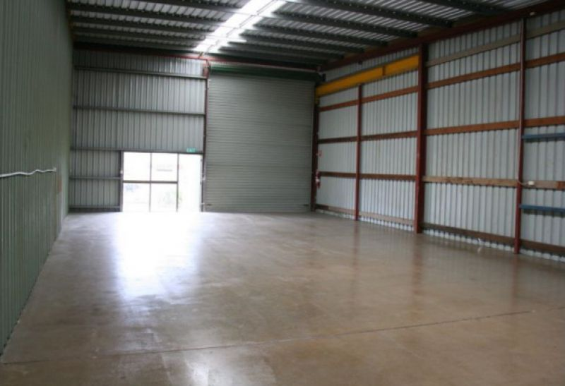 175 sqm warehouse on Moonbi Street