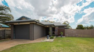 MODERN, RENDERED BRICK & TILE HOME IN TOP LOCATION!