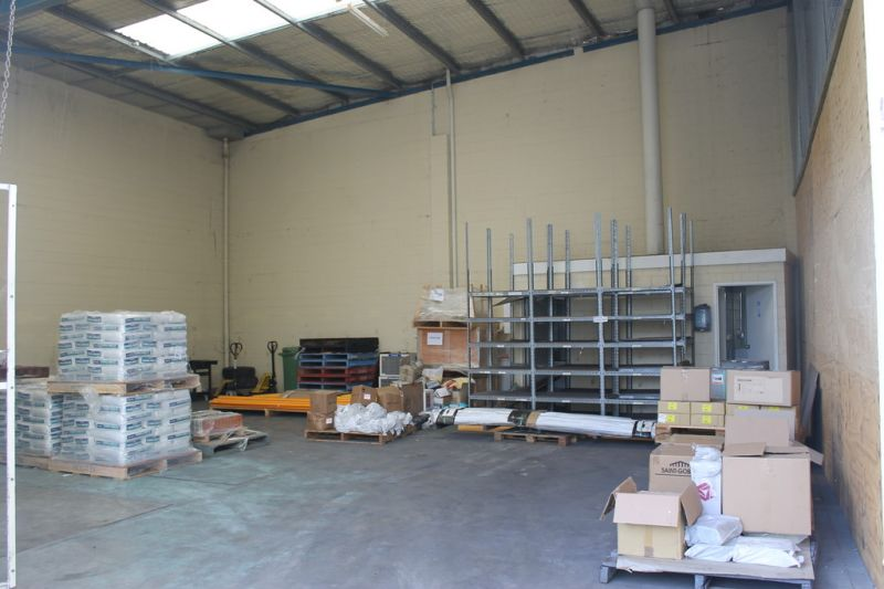 Great Strata Industrial Unit with Straight Line Truck Access