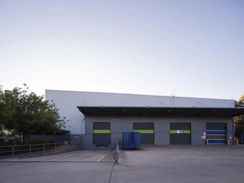 High clearance warehouse