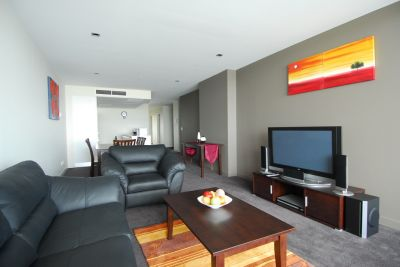 Victoria Point 1 - FULLY FURNISHED: Sensational Docklands Location!