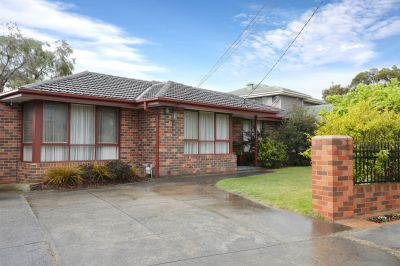 5 Brownlee Cr, Wheelers Hill