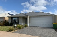 LOW MAINTENANCE FAMILY HOME IN GREAT LOCATION