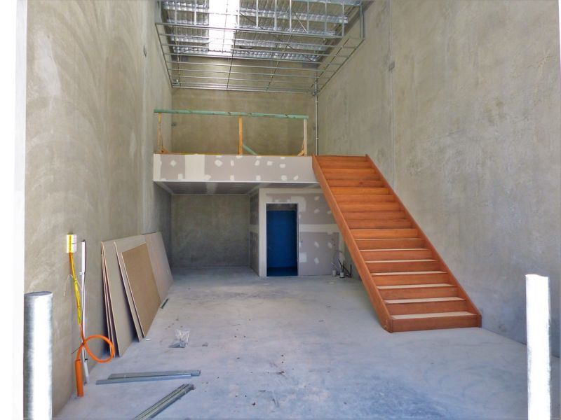 67sqm* BRAND NEW OFFICE/ WAREHOUSE