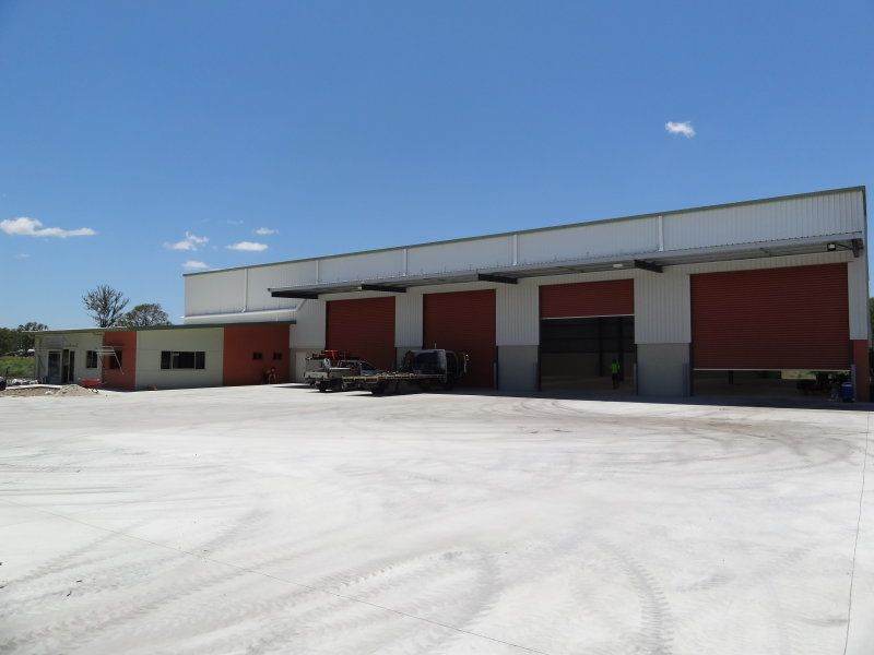 New building with 10 tonne crane capacity & yard area