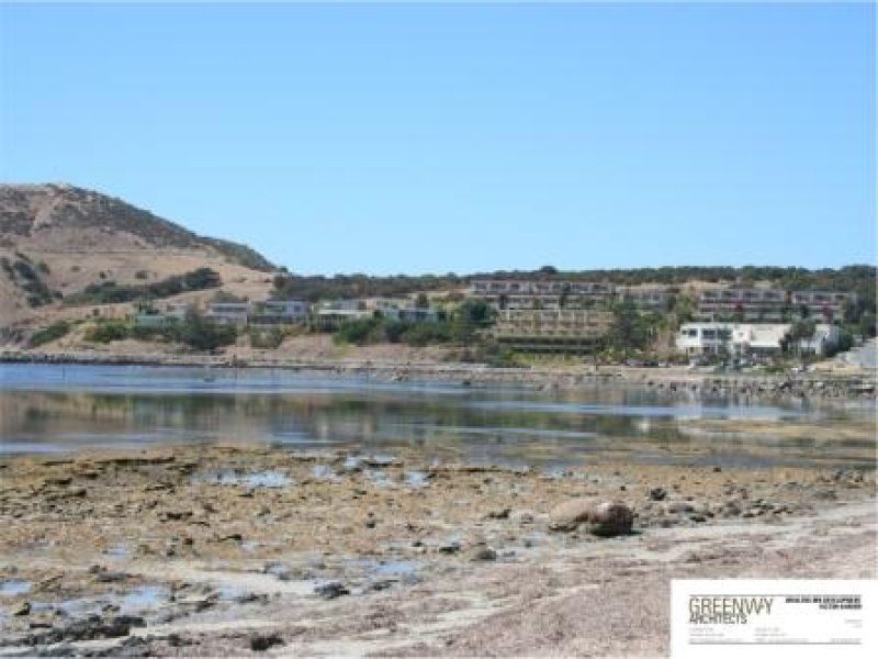 Spectacular coastal development site with function centre, restaurant and one apartment
