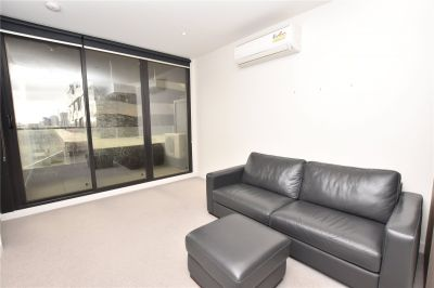 Fulton Lane: Furnished Two Bedroom Apartment Right in the Heart of Melbourne!