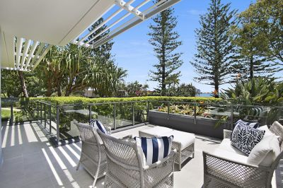 Elegant 230m2* Ground Floor Apartment with Broadwater Views