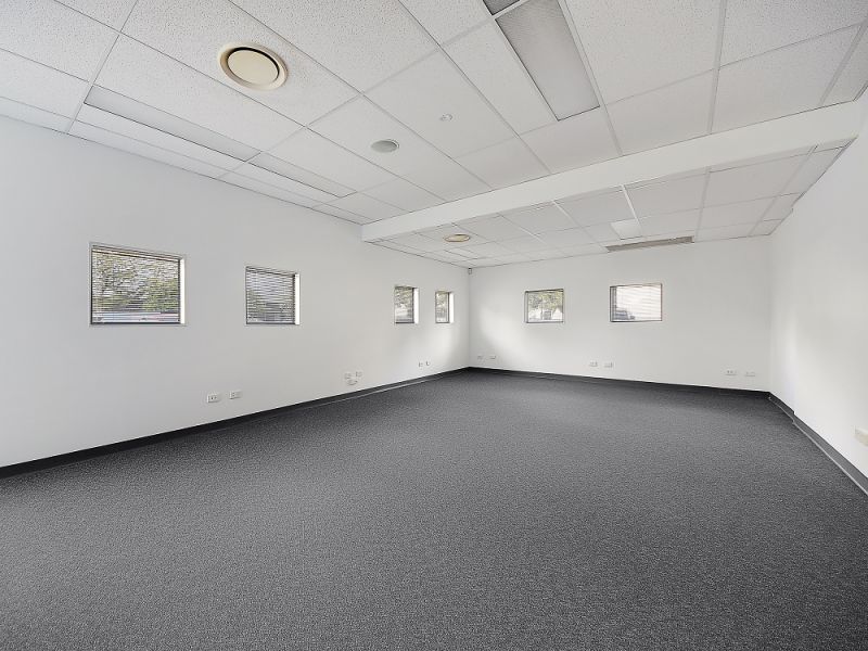 210sqm* FABULOUS HENDRA OFFICE WITH EXISTING  FIT-OUT