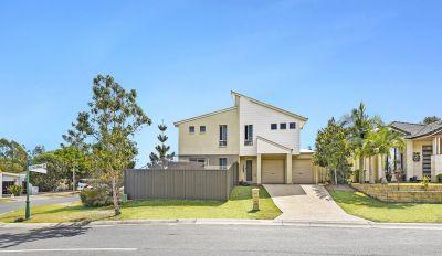 Big 4 bedroom duplex must be sold!!!