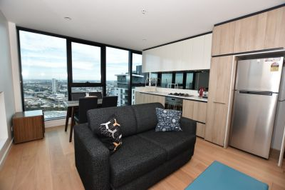 Habitat: Furnished One Bedroom with Amazing Views from the 32nd Floor!