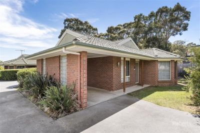 1 and 2/1 Bradley Drive, Coles Bay
