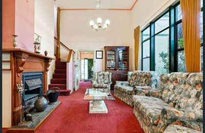 SHORT TERM LEASE - 3 Bedroom art deco family home