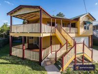Bulimba Riverside Living  And The Ultimate Queensland Home!